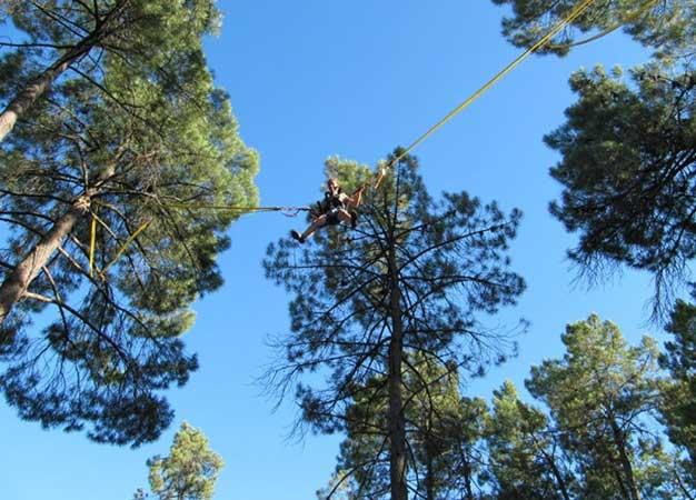 activité en famille : accrobranche Rustrel - Colorado Aventures